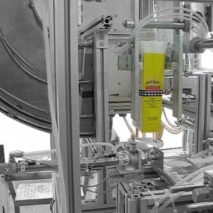 Automatic line for flour dosing and sealing
