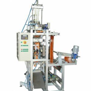 Пакетираща машина за еднократни почистващи салфетки